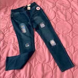 Justice sequin brand new jeans 🌈🦋❤️❣️❣️🌺🌹🎈